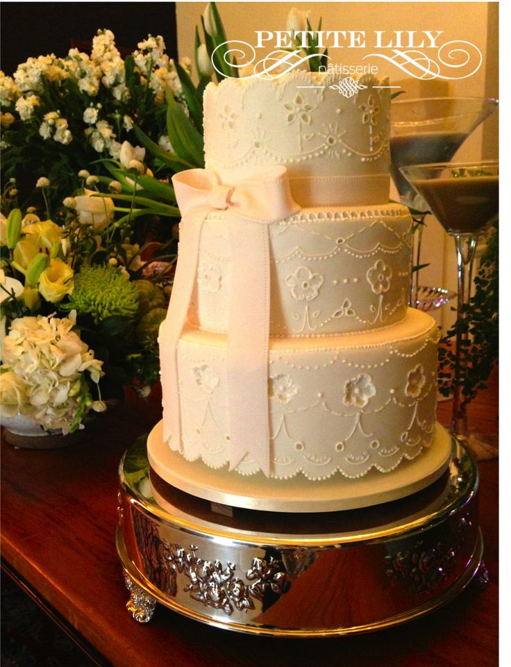 Ingles Wedding Cakes  99 best Decorated cakes Bolos decorados images on