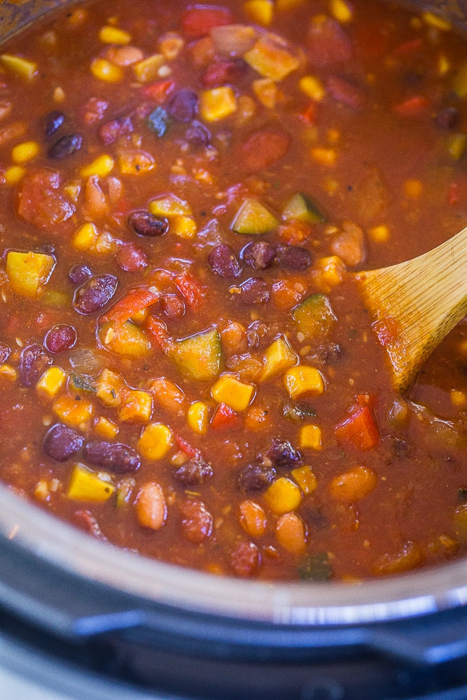 Instant Pot Summer Recipes  Instant Pot Ve arian Chili with Summer Ve ables She