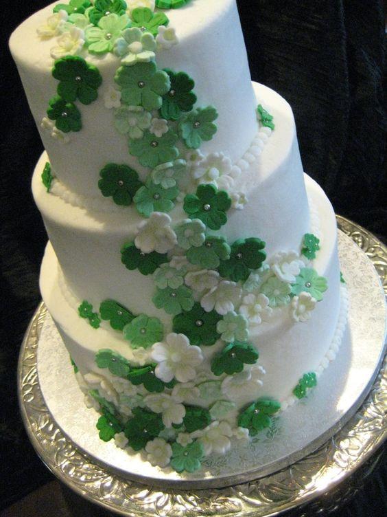 Irish Wedding Cakes  IRISH WEDDING CAKE