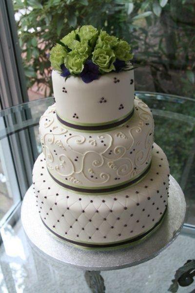 Irish Wedding Cakes  green navy wedding cakes Juxtapost