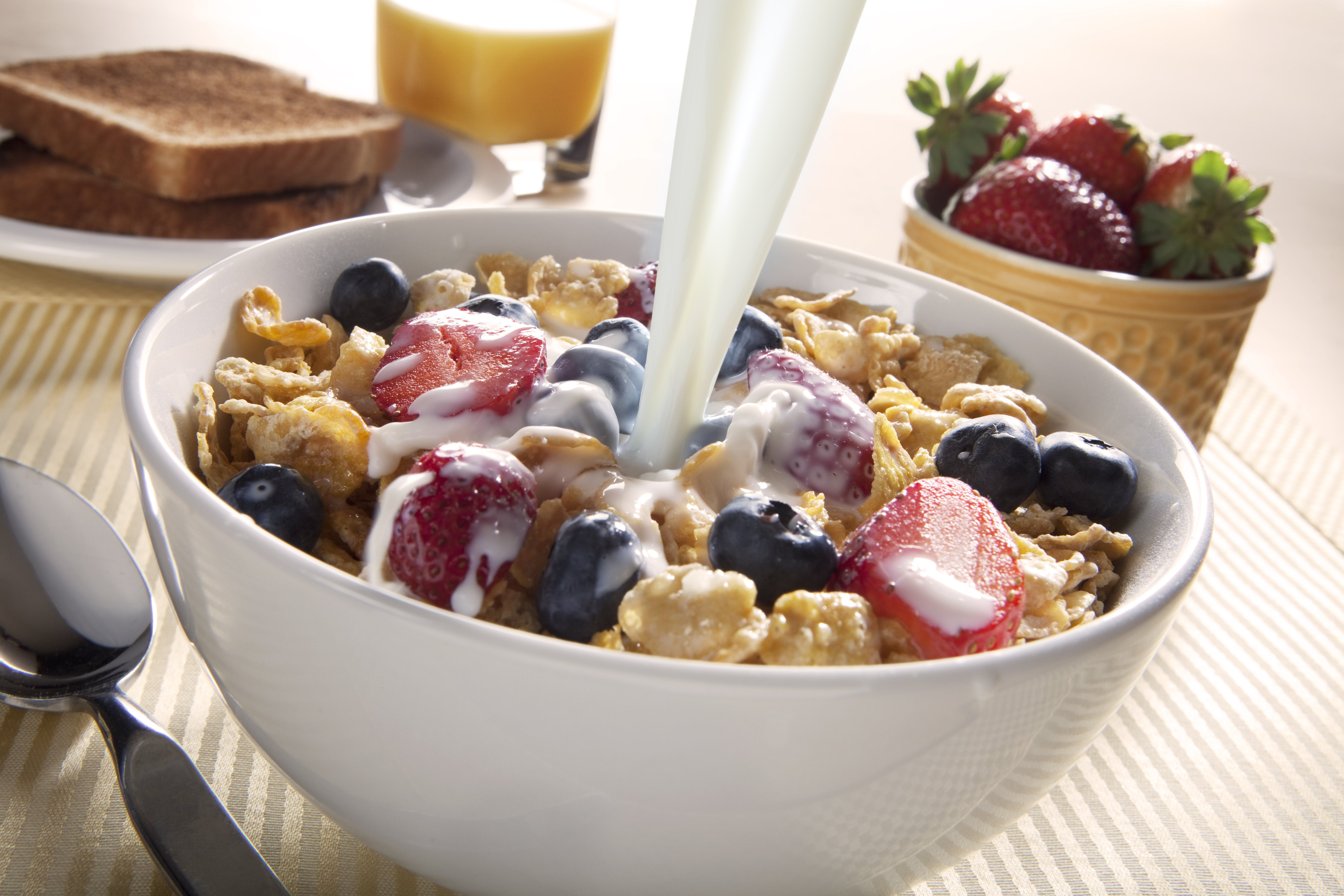 Is Cereal A Healthy Breakfast  People Who Put Ice Cubes in Breakfast Cereal Are Not Alone
