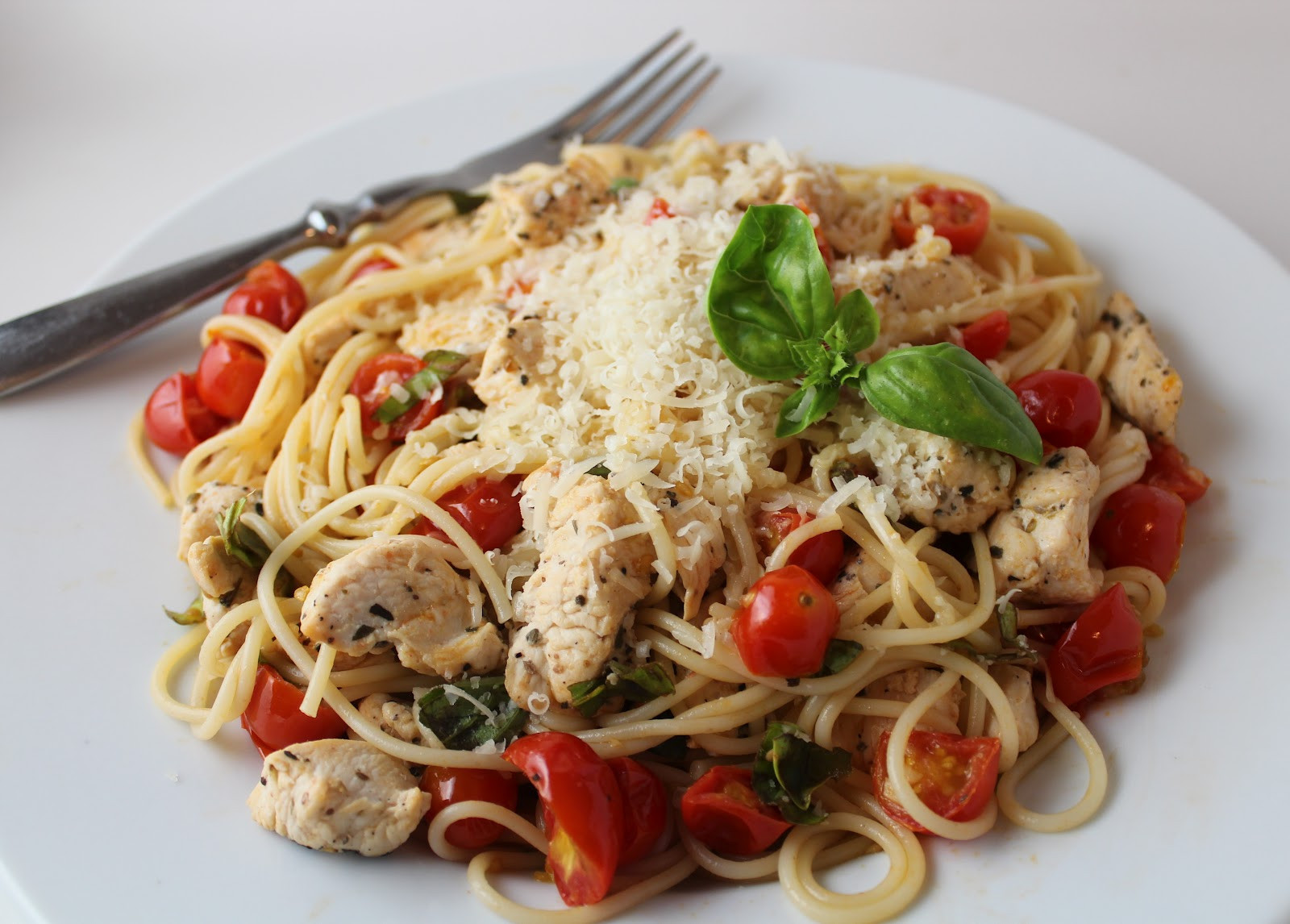Is Spaghetti Healthy For You  Healthy & Light Spaghetti with Sauteed Chicken and Grape