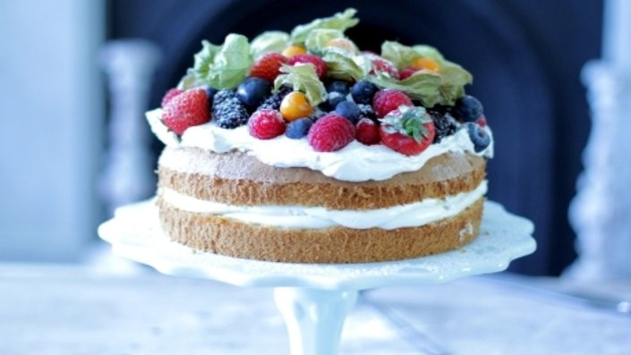 Italian Summer Desserts  24 Summer Berry Desserts That Should Probably Count As e