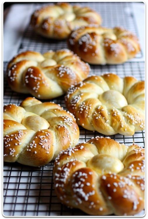 Italian Sweet Easter Bread Recipe  As Easter approaches try making Italian Easter Bread