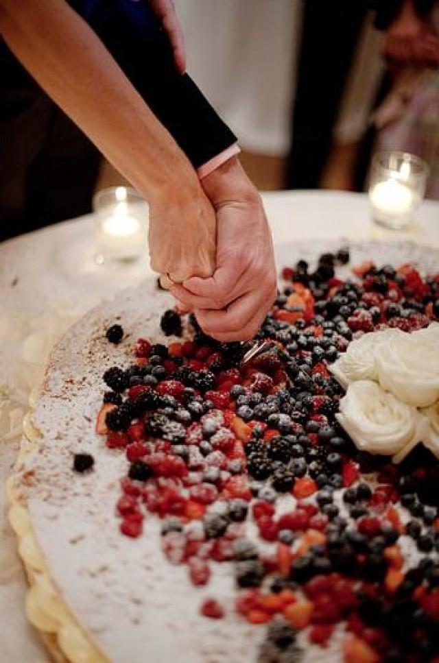 Italian Wedding Cakes  Fruit Wedding Cake Ideas For Spring