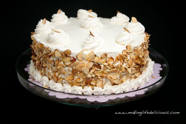 Italian Wedding Cakes  Italian Wedding Cake aka Cream Cake aka Rum Cake