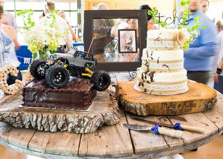 Jeep Wedding Cakes  Best 25 Jeep wedding ideas on Pinterest