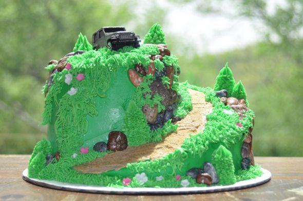 Jeep Wedding Cakes  Groom's Cake Ideas… Jeep themed ideas needed