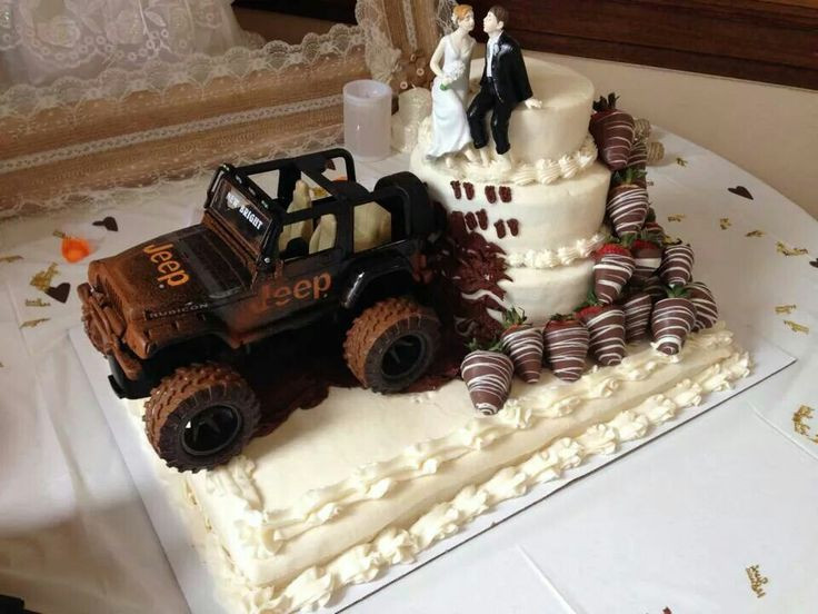 Jeep Wedding Cakes  25 best ideas about Mudding wedding cakes on Pinterest