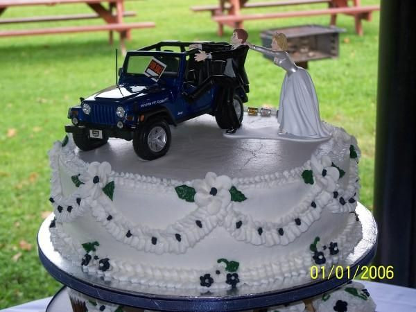 Jeep Wedding Cakes  Pin Jeep Wedding Cake Cake on Pinterest