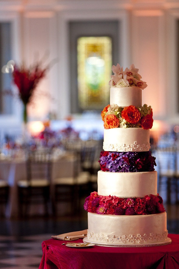 Jewel Wedding Cakes  Jewel Tone Wedding theme 17 ideas to Use Jewel Tones
