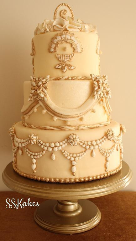 Jewel Wedding Cakes  You have to see Vintage Jewels on Craftsy