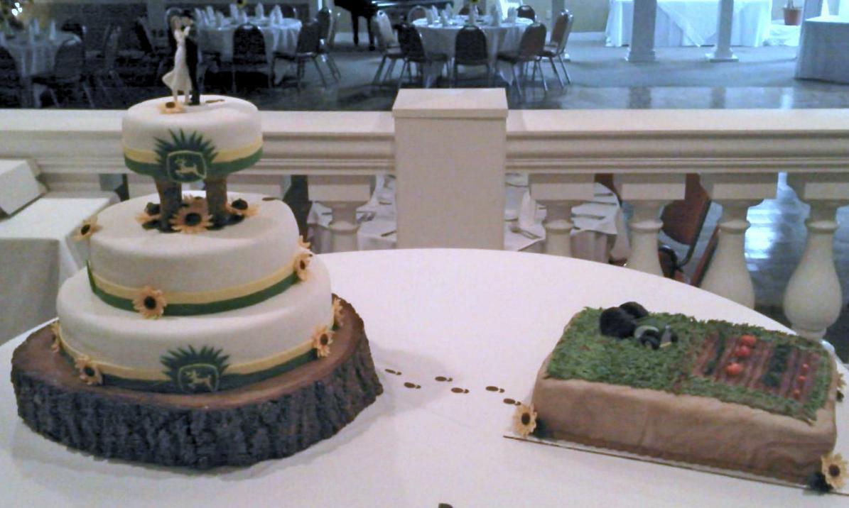 John Deere Wedding Cakes  John Deere Wedding & Grooms s Cake Cake Decorating