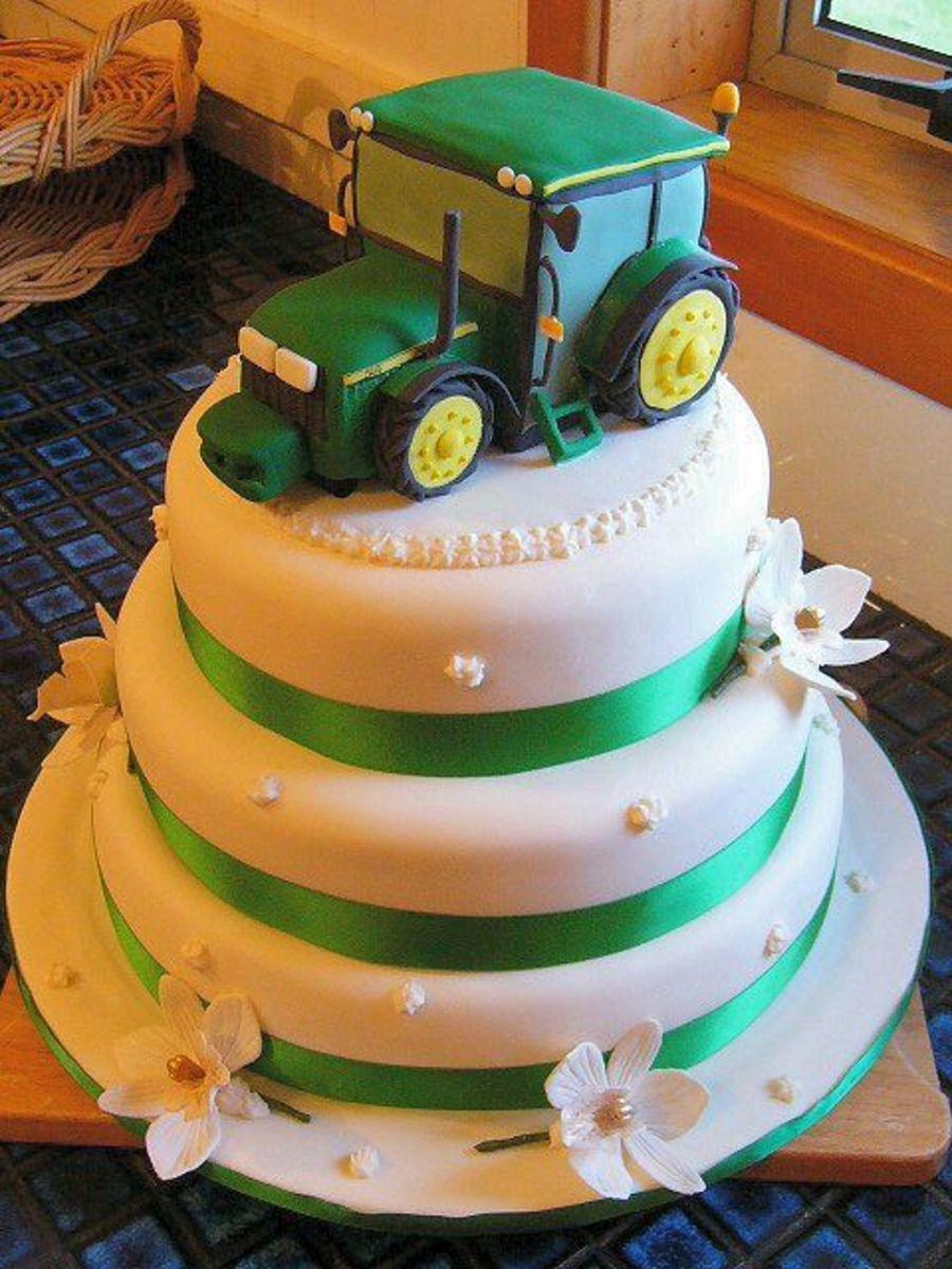 John Deere Wedding Cakes  4 Tier John Deere Wedding Cake CakeCentral