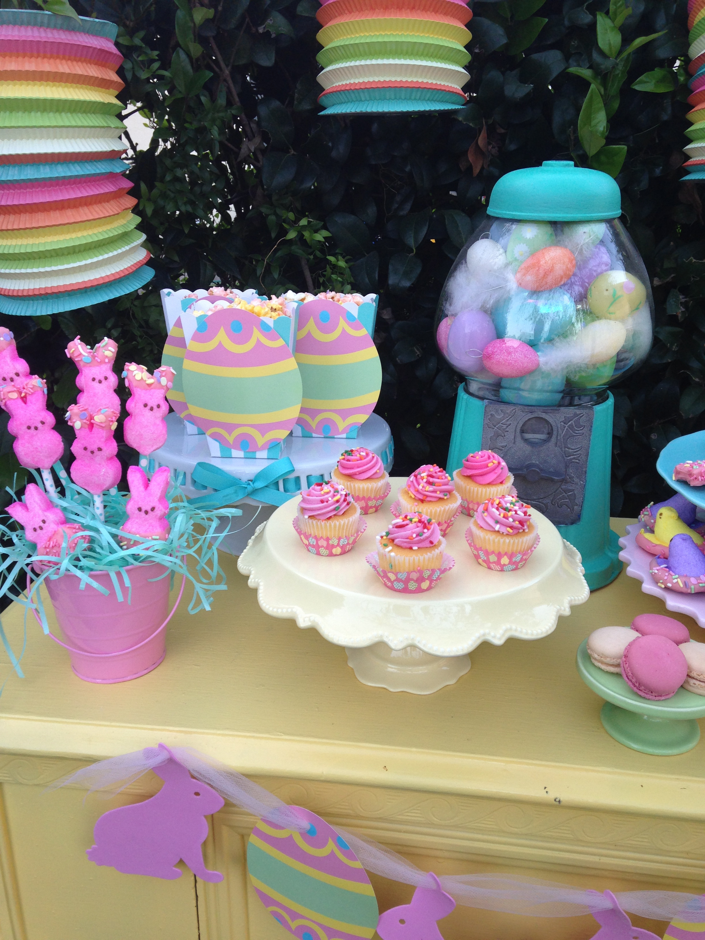 Kid Friendly Easter Desserts  Bud Friendly Kids Easter Dessert Table Ideas