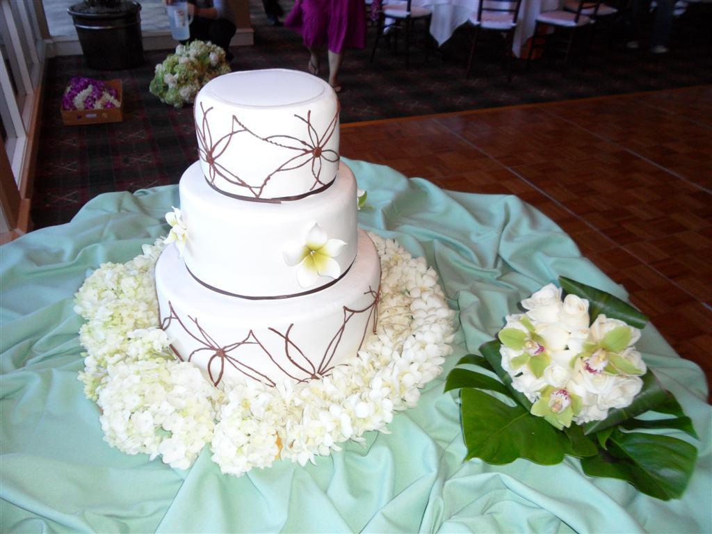 Kings Hawaiian Wedding Cakes  Friendly Hills Country Club Weddings