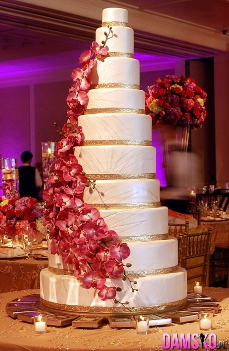 Large Wedding Cakes  18 best images about Giant Wedding Cakes wow on