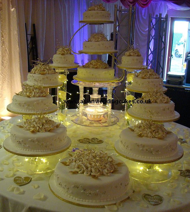 Large Wedding Cakes  Big Wedding Cakes with Fountains