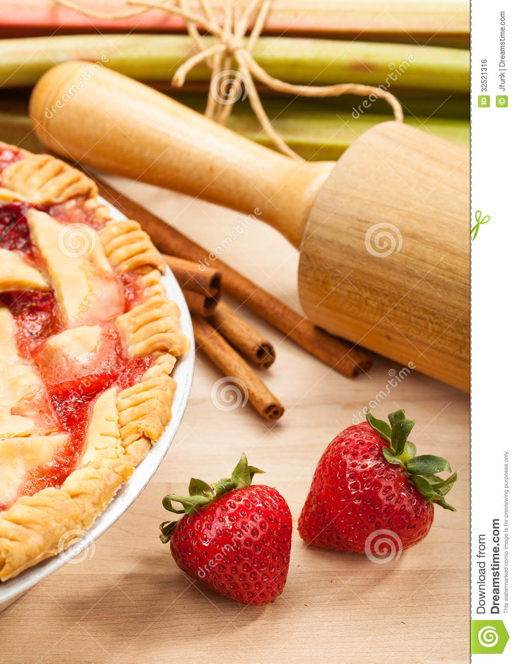 Late Summer Desserts  Strawberry Rhubarb Pie Royalty Free Stock Image Image