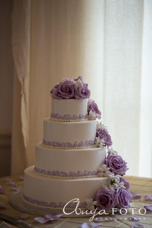 Lavender And White Wedding Cake  Best 25 Lavender wedding cakes ideas on Pinterest