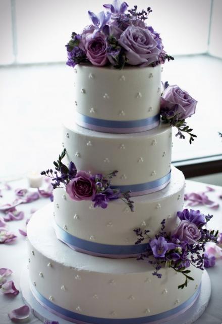 Lavender And White Wedding Cake  White 4 Tier Wedding Cake with Lavender Light Purple