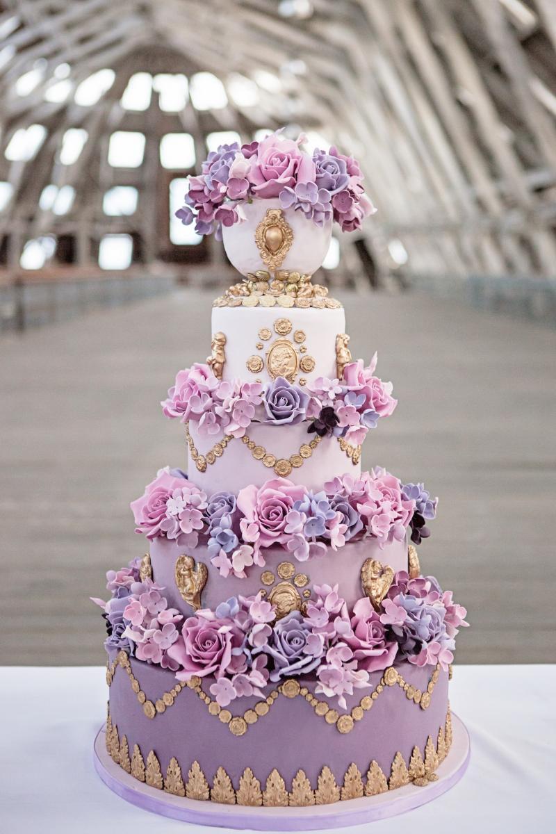 Lavender Wedding Cakes  Purple wedding table decor