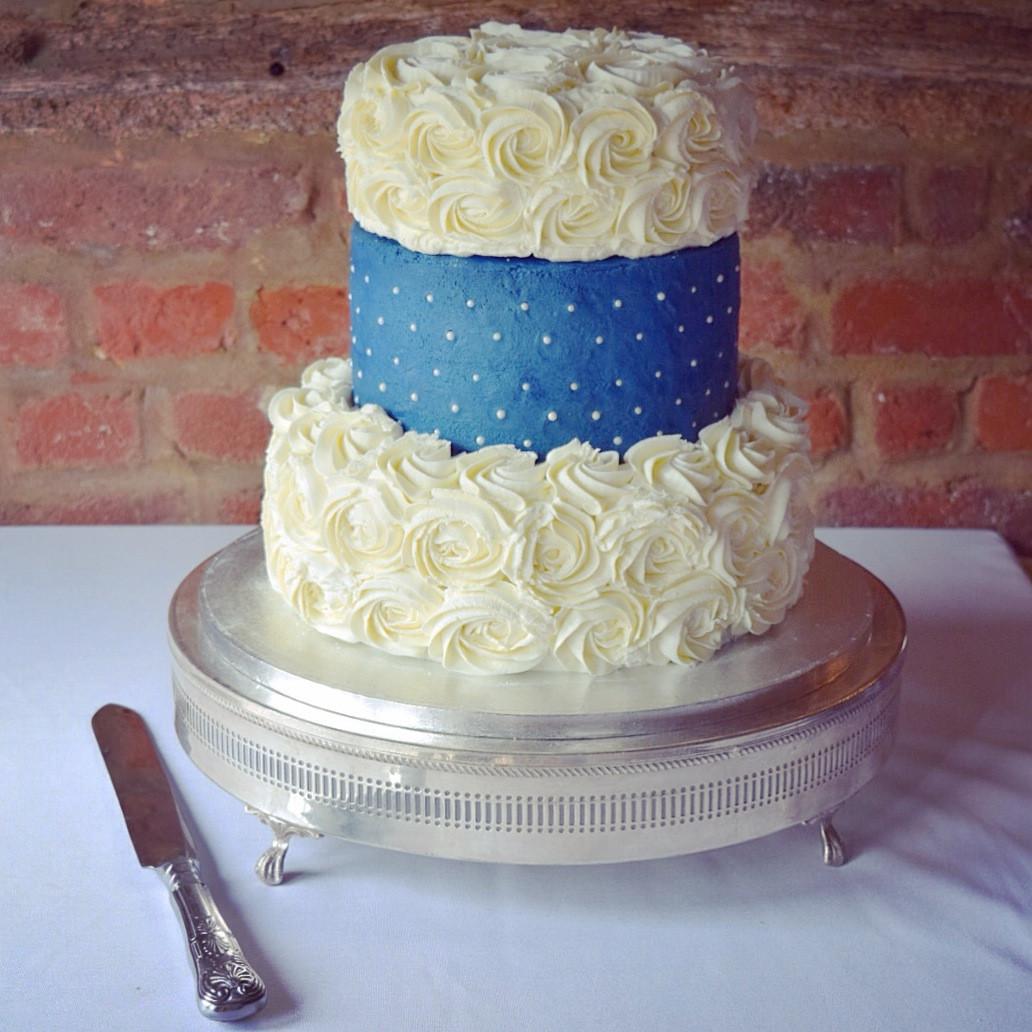 Lemon Wedding Cakes  Wedding Cake – Lemon Drizzle – Food That Makes You Smile