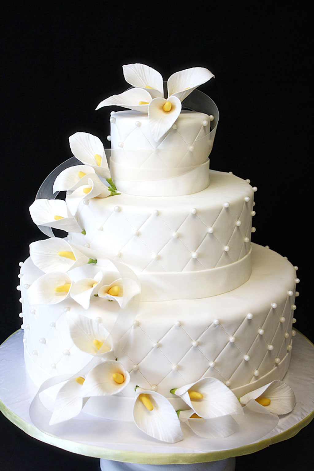 Lilly Wedding Cakes  Wedding Cake With Calla Lilies Wedding Cake Cake Ideas