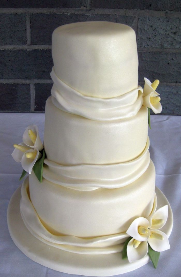 Lilly Wedding Cakes  Calla Lily Wedding Cakes