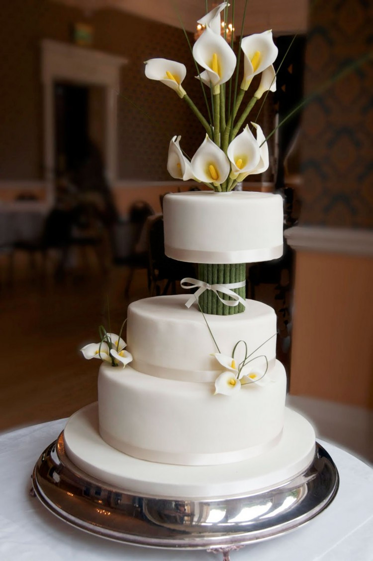 Lilly Wedding Cakes  Ivory Calla Lily Wedding Cake Wedding Cake Cake Ideas by