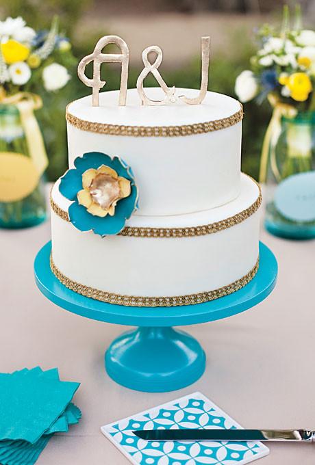 Local Wedding Cakes  Wedding Cake with Gold Trim Monogram