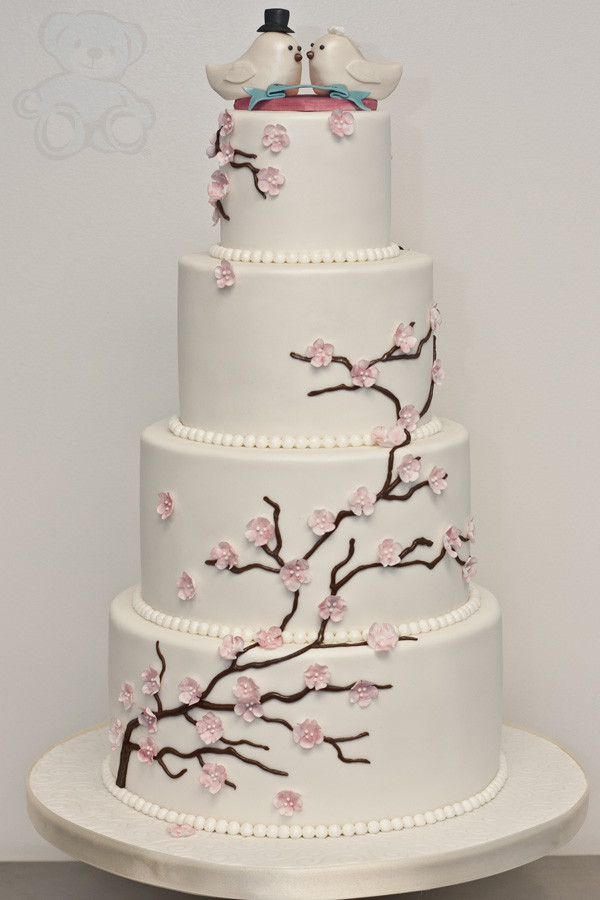 Love Birds Wedding Cakes  Love Bird Topper Wedding Cake