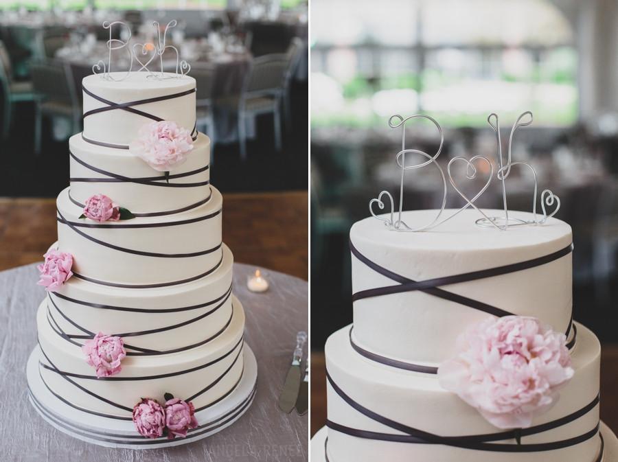 Lovin Oven Wedding Cakes  Illinois Wedding grapher