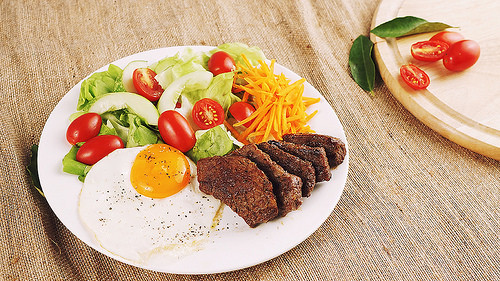 Low Carb Camping Recipes  Low carb Grilled Beef Salad Great Camping Recipes