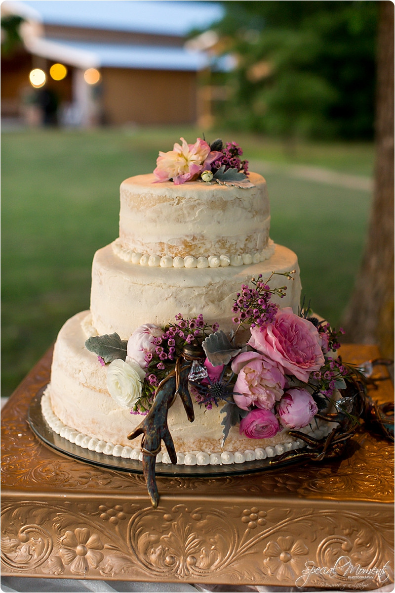 """Lowes Foods Wedding Cakes  Memories of a Lifetime""""Ball Wedding"""