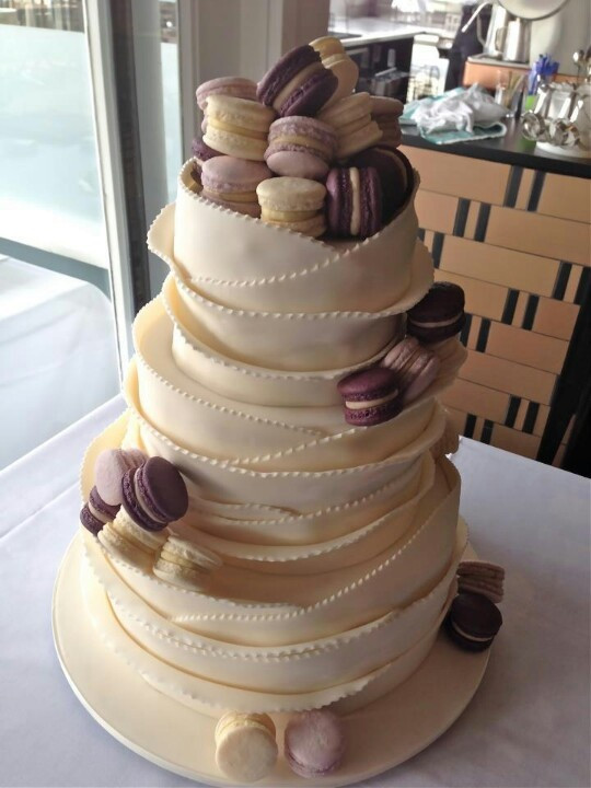 Macaroon Wedding Cakes  33 best images about Macarons on Pinterest