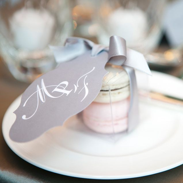 Macaroons Wedding Favors  102 best Awesome Guest Favors images on Pinterest