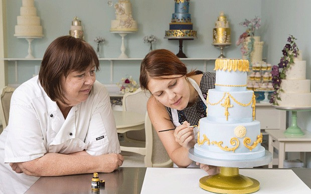 Making A Wedding Cakes  How hard is it to make a wedding cake Telegraph
