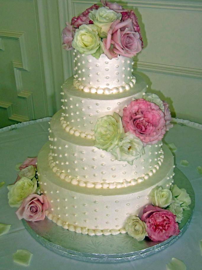 Making Wedding Cakes Beginners  Four Fabulous Wedding Cakes for Beginners Gretchen s Bakery