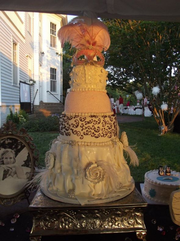 Masquerade Wedding Cakes  Our Amazing Masquerade Wedding Cake