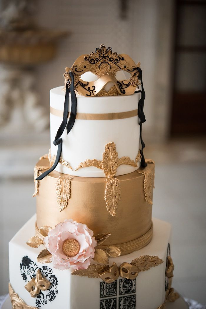 Masquerade Wedding Cakes  Chicago Wedding Planner Creates Masquerade Ball