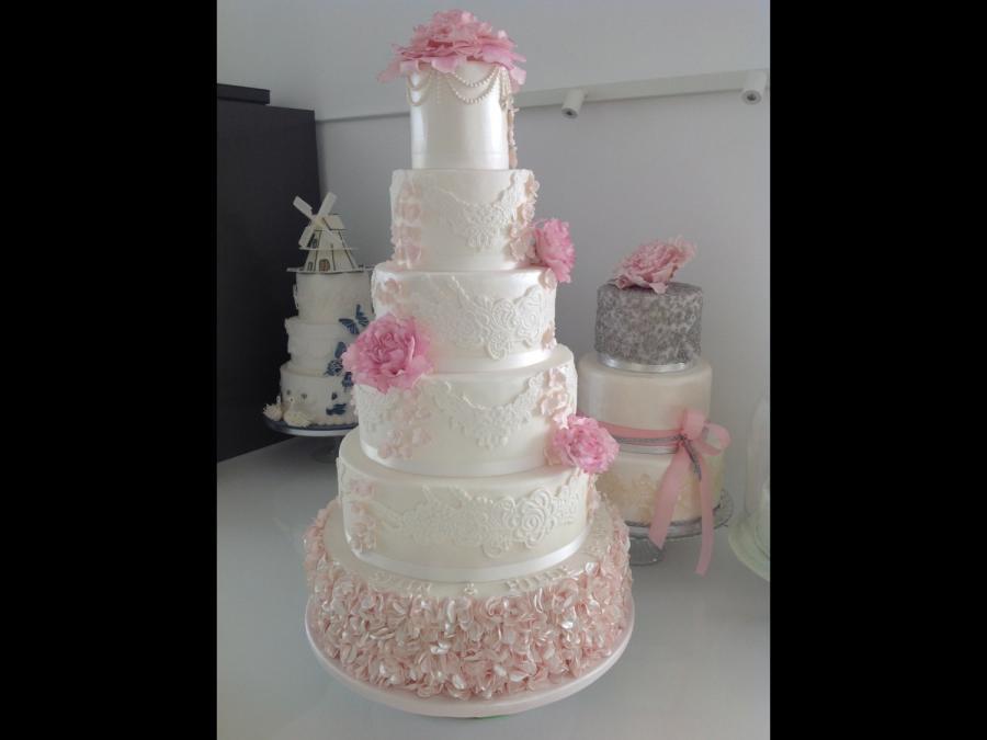 Meijer Wedding Cakes  Wedding Cake cake by Yvon Meijer CakesDecor