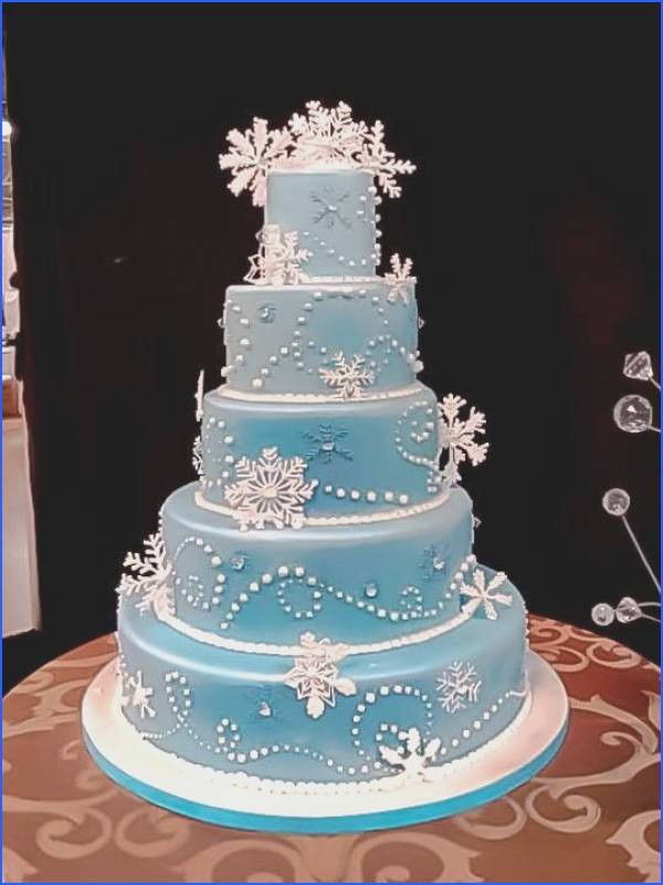 Meijers Wedding Cakes  Snowflake Wedding Cake Wedding graphy