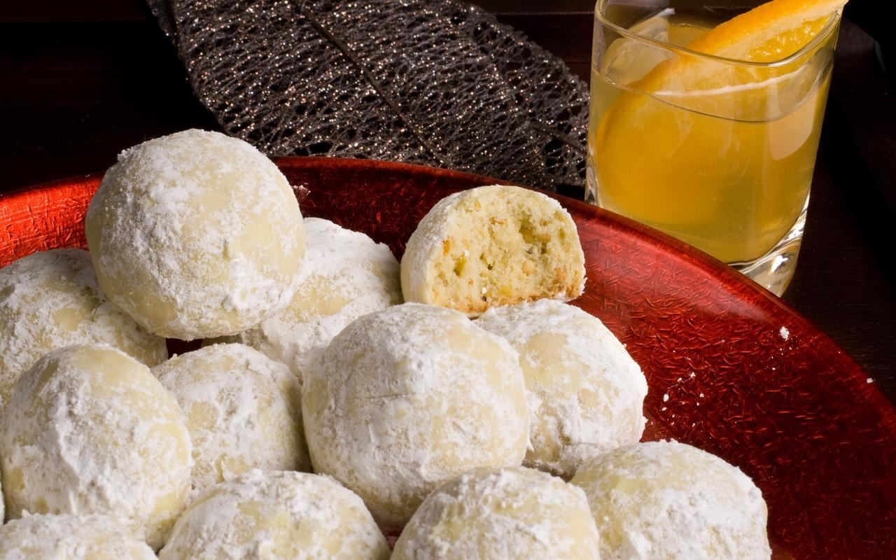 Mexican Wedding Cake Recipes  Pistachio Mexican Wedding Cakes Recipe Chowhound