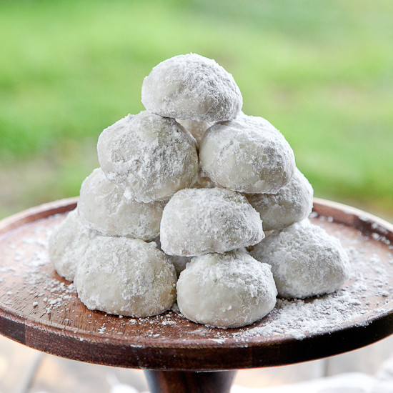 Mexican Wedding Cakes Cookie Recipe  Mexican Wedding Cookies & Engagment s Snixy Kitchen