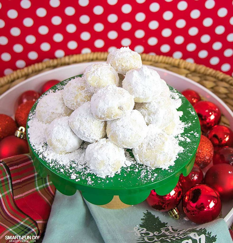 Mexican Wedding Cakes Cookie Recipe  Mexican Wedding Cakes Recipe or Russian Tea Cakes Cookies