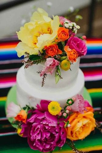 Mexican Wedding Cakes  Mexican Themed Wedding Decor Ideas that will Floor You