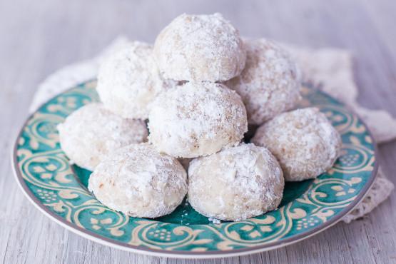 Mexican Wedding Cookies Recipes  Mexican Wedding Cookies Recipe Genius Kitchen