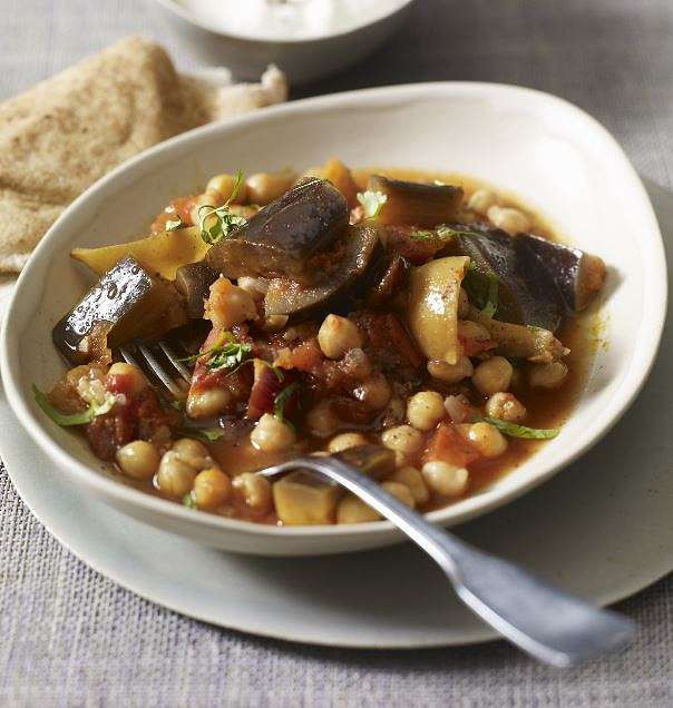 Middle Eastern Chickpea Recipes  Middle Eastern Chickpea Stew The Happy Foo