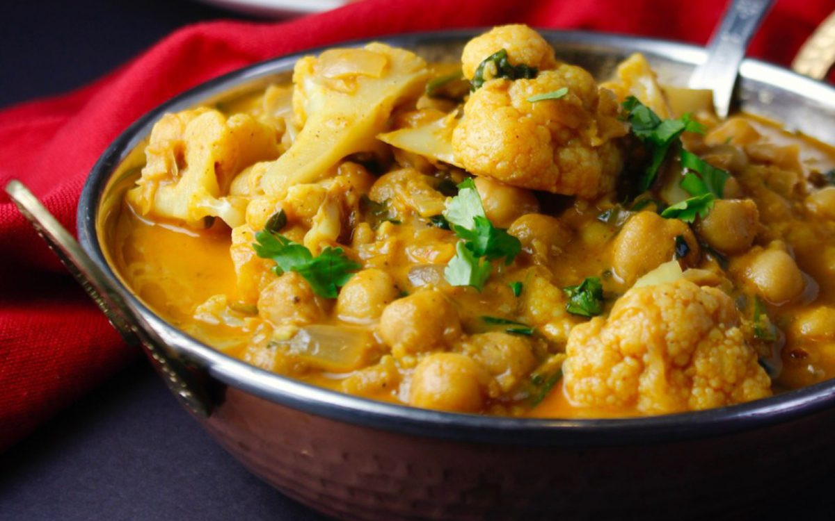 Middle Eastern Chickpea Recipes  Spicy Middle Eastern Braised Chickpeas With Cauliflower